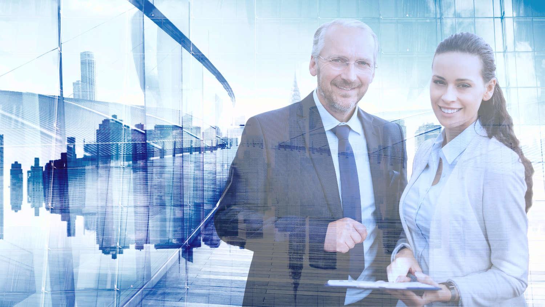 Bewerbung als Führungskraft - männlicher und weiblicher Manager