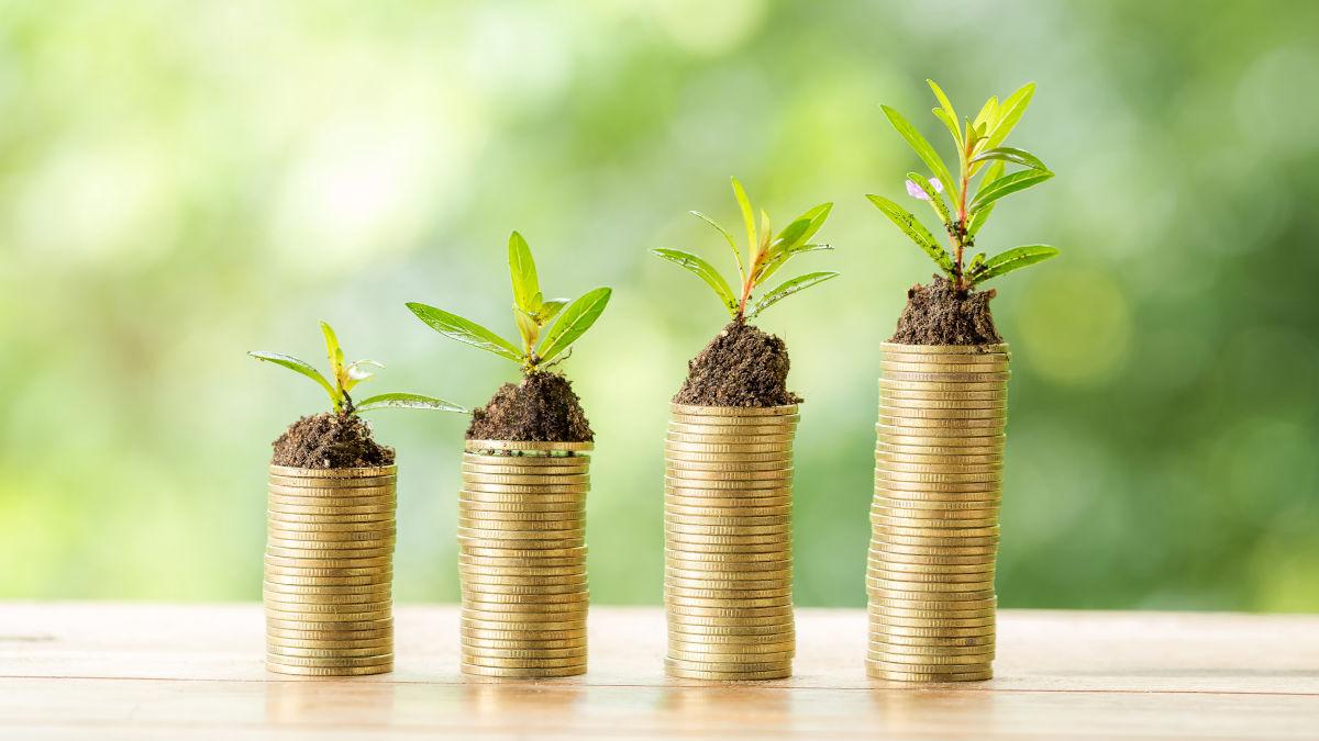 Bewerbung Gehaltsvorstellung - Münzgeld gestapelt